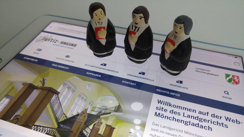Recht mit Anwalt - Anwälte vor dem Landgericht Mönchengladbach