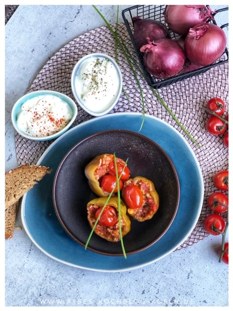 Gefuellte Paprika tuerkisch mit Hackfleisch und Reis