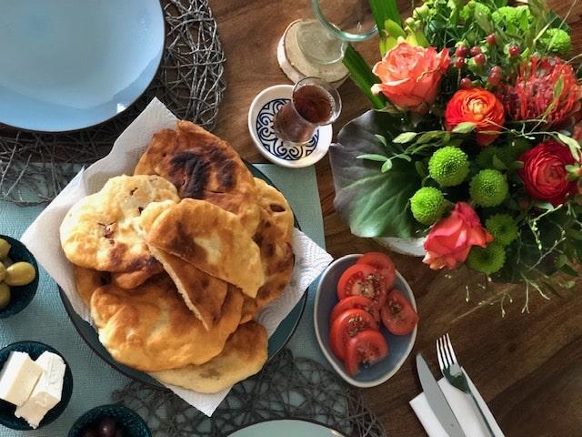 Pisi Rezept deutsch l frittierte Teigtaschen zum Frühstück