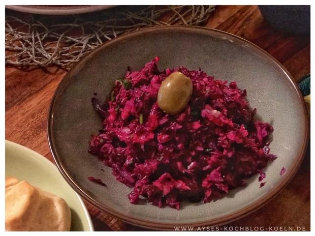 einfacher tuerkischer Rotkohlsalat l tuerkischer Krautsalat
