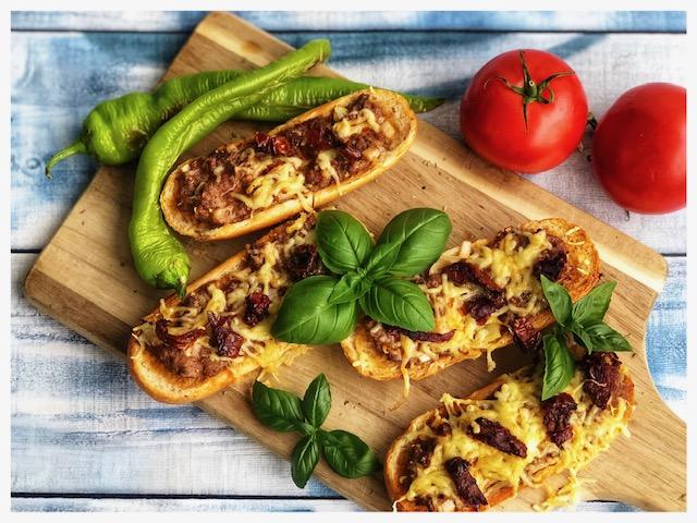 Bistro Baguette tuerkischer Art mit getrockneten Tomaten l Lasagne Sub l Baguette a la Turka