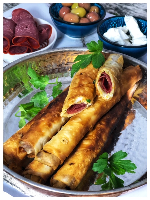 Sigara Boerek mit Kaese und Pastirma l Einfache tuerkische Vorspeise l Boerek aus der Pfanne