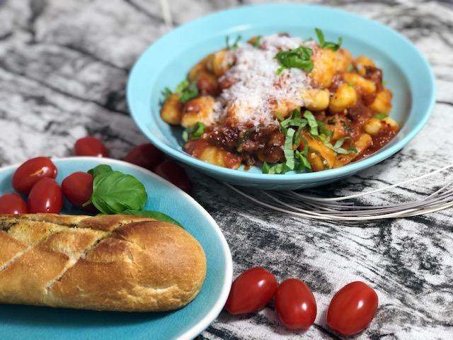 Schnelle Arrabiata Bolognese a la Jamie Oliver l Gnocchi Arrabiata in 15 Minuten