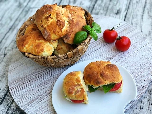 Focaccia Broetchen l Parmesan Broetchen l italienische Broetchen