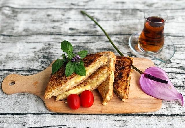 original Grilled cheese Sandwich aus der Pfanne mir nur 3 Zutaten