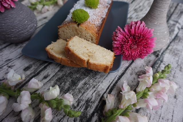 Einfacher und saftiger Zitronenkuchen mit Vanille l Quatre Quarts