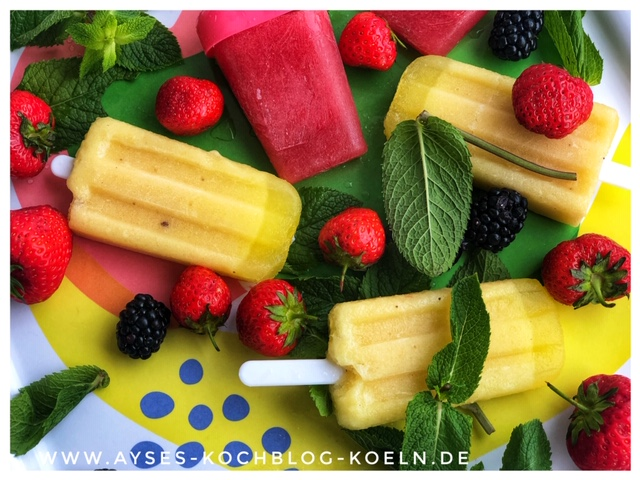 Nicecream Vegan mit Bananen und Ananas l Beeren Eis Smoothie Rezept l kalorienarmes Eis