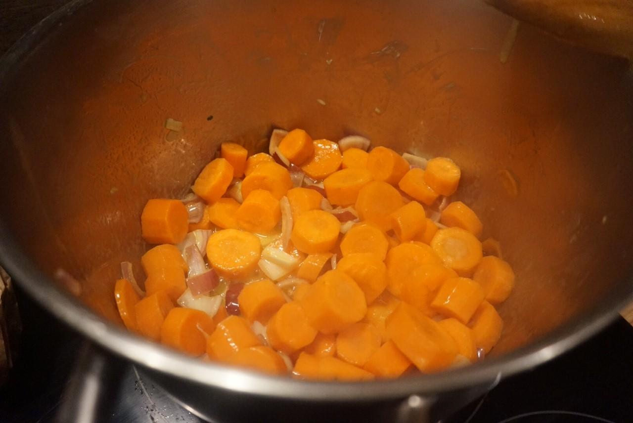 Manteufflische Moehrensuppe  | mit Ingwer und Orange