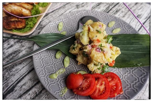 Tuerkischer Kartoffelsalat l Lauwarmer Kartoffelsalat mit Oel und Zwiebeln ohne Majo