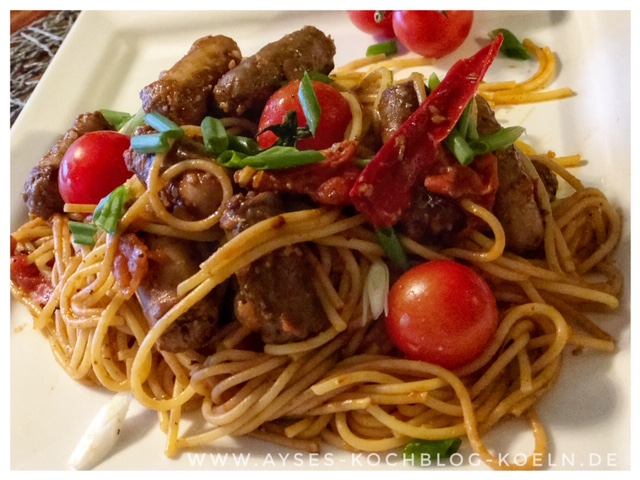 Pasta mit Sucuk-Tomaten-Sauce l Summer Pasta Merguez Jamie Oliver l Sommernudeln