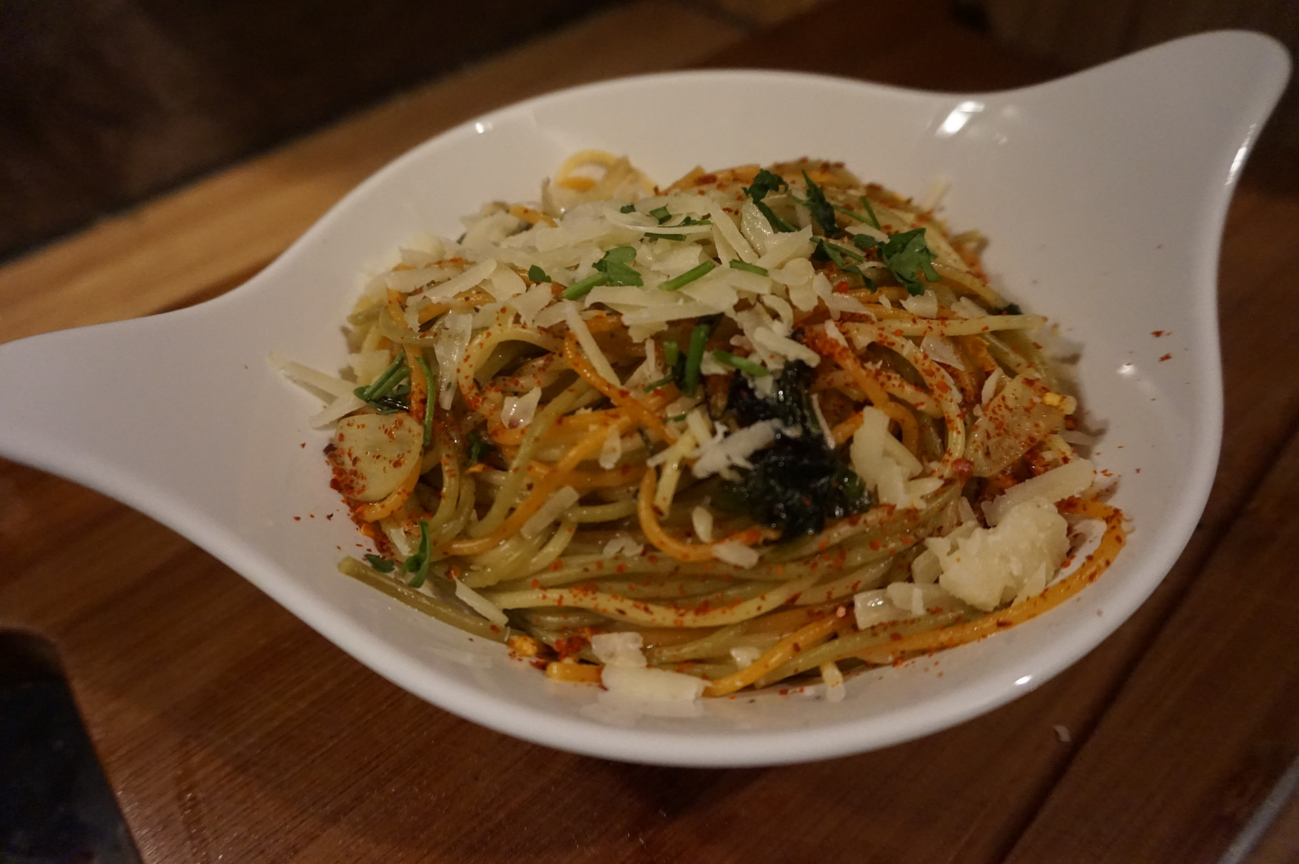 rezept spaghetti aglio e olio a la jamie oliver tuerkische rezepte foodblog. Black Bedroom Furniture Sets. Home Design Ideas