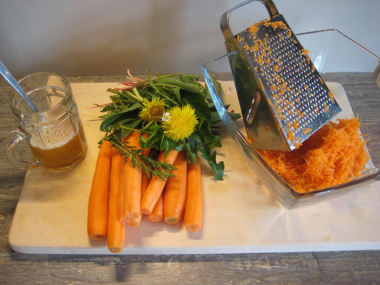 Karotten raspeln