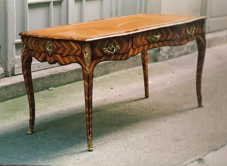 bureau Louis XV en if