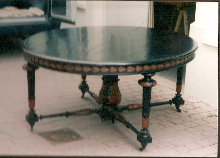 Table N III en poirier noirçi