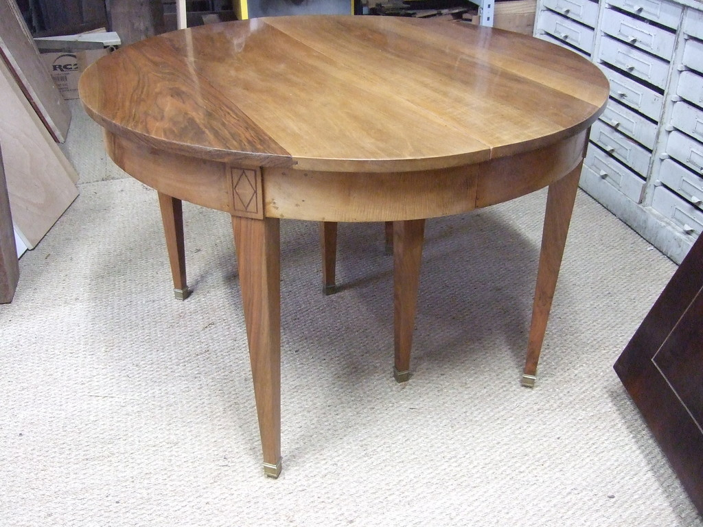 Table directoire en noyer
