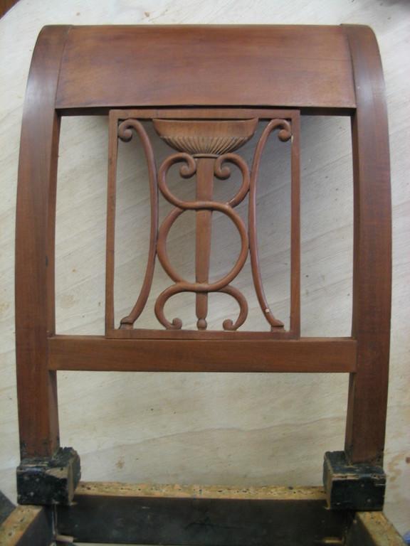 Restauration d'un dossier  de chaise 19 ième en acajou