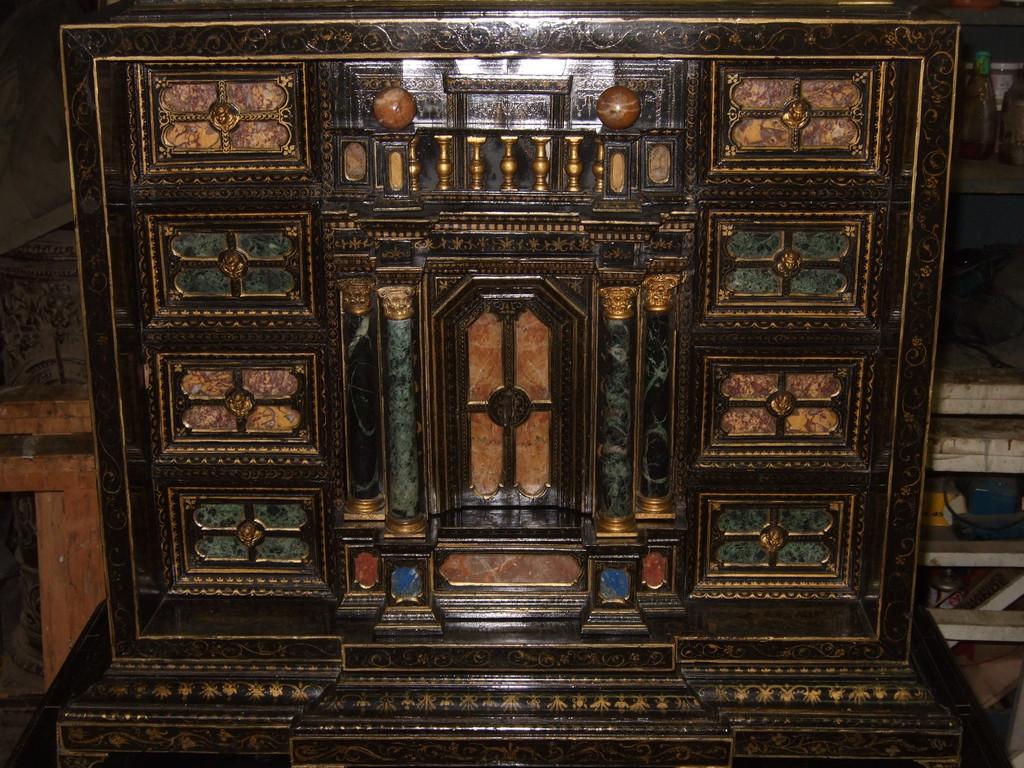 Cabinet italien début 17ème