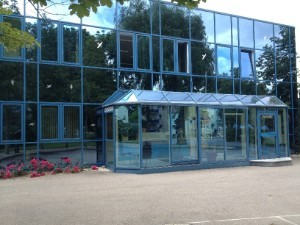 Besucherparkplatz/Eingang