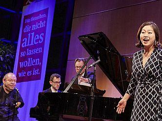 Opernsänger Thomas Quasthoff bot Einblick in seine Masterclass (Foto: Claudia Höhne)