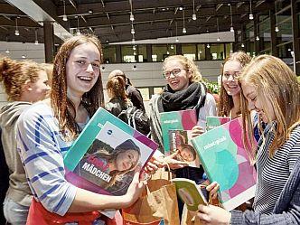 200 Schülerinnen starteten 2017 bei mint:pink (Foto: NAT/Claudia Höhne)