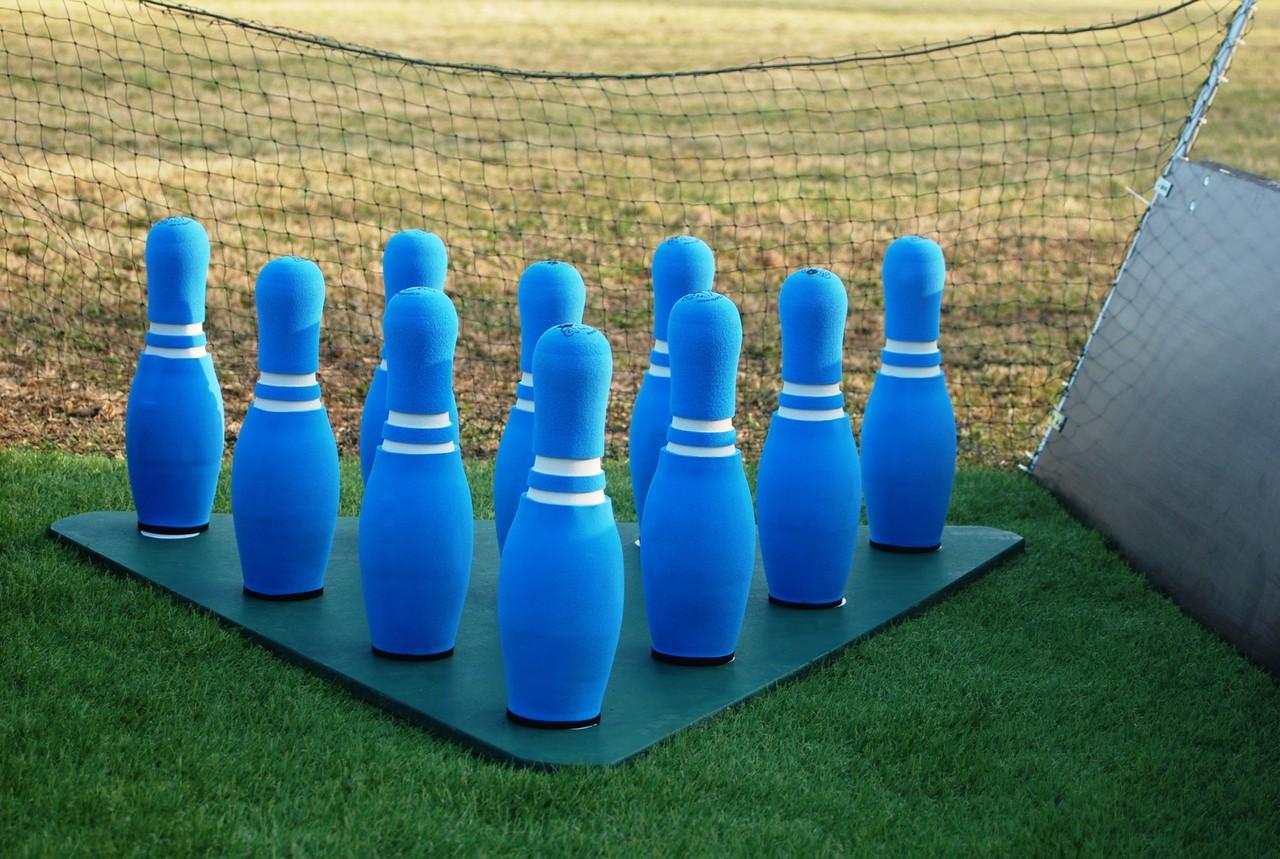 fussball bowling mieten sandra minnert fussballcamp. Black Bedroom Furniture Sets. Home Design Ideas