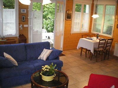 Salon et coin repas - gîte la Fontaine St Gervais - Aumont - Oise