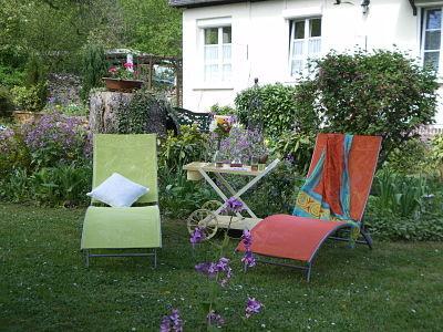 Farniente au jardin - gîte la Fontaine St Gervais - Aumont - Oise