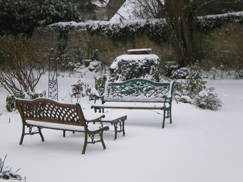 Salon de jardin - jardin du gîte la Fontaine St Gervais - Aumont - Ooise