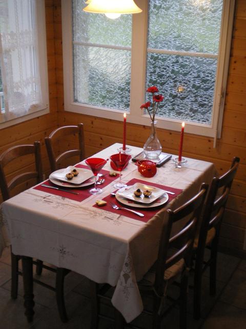 Table de St Valentin - gîte la Fontaine St Gervais - Aumont - Oise