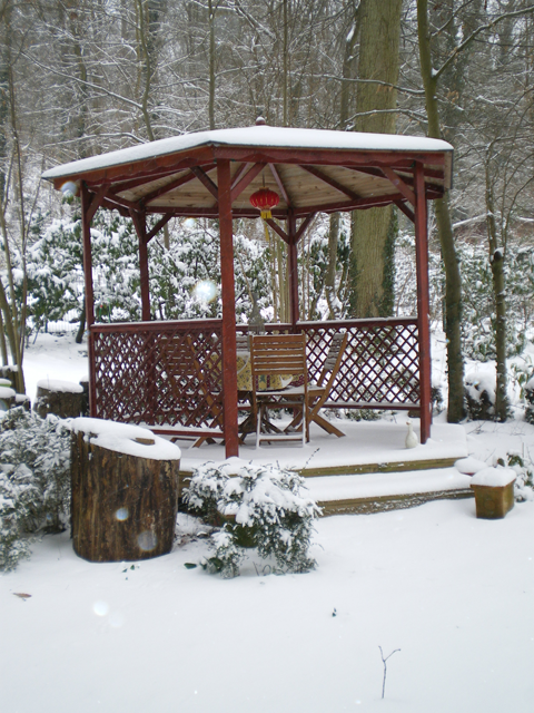 Kiosque du gîte la Fontaine St Gervais en hiver - Aumont en Halatte - Oise