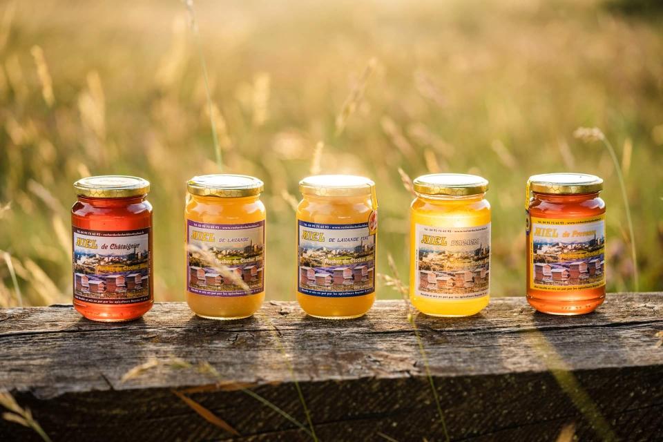 Miel de châtaignier, lavande, lavande fine, acacia et toutes fleurs de Provence