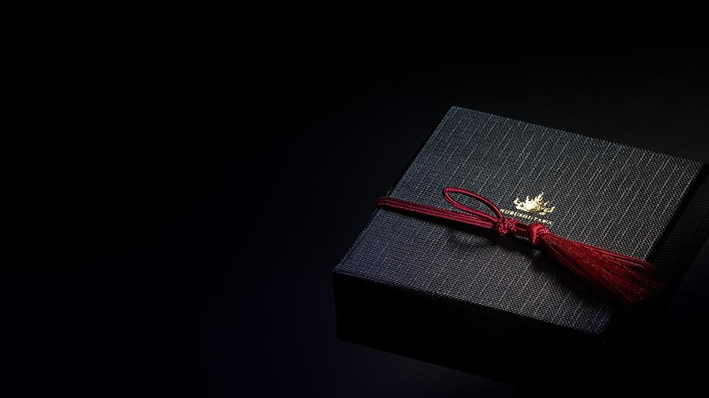 琉球創世の神アマミキヨのつくった聖地 御嶽で祈りをこめるパワーストーン ぬぶし玉のパッケージ