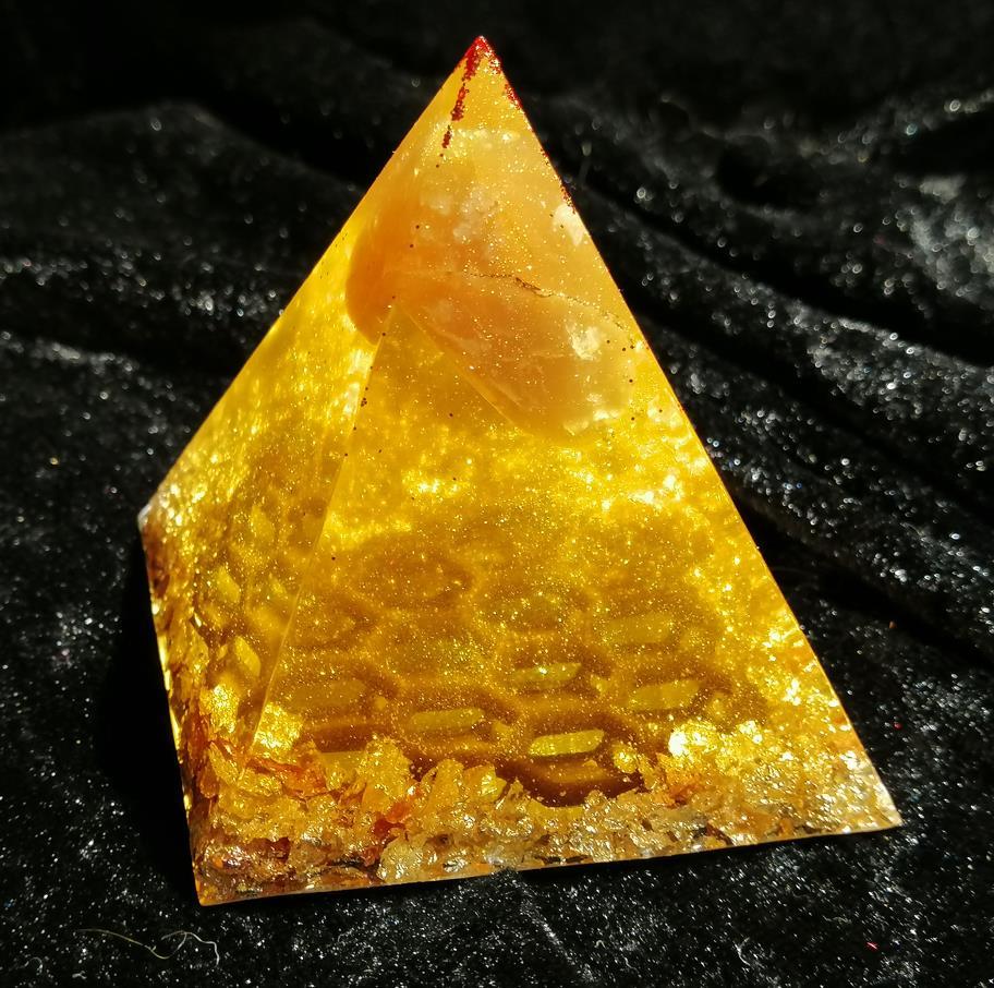 Honigpyramide