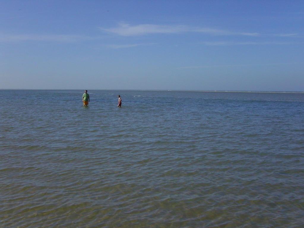 ...am Nordstrand, man konnte noch in der Nordsee baden