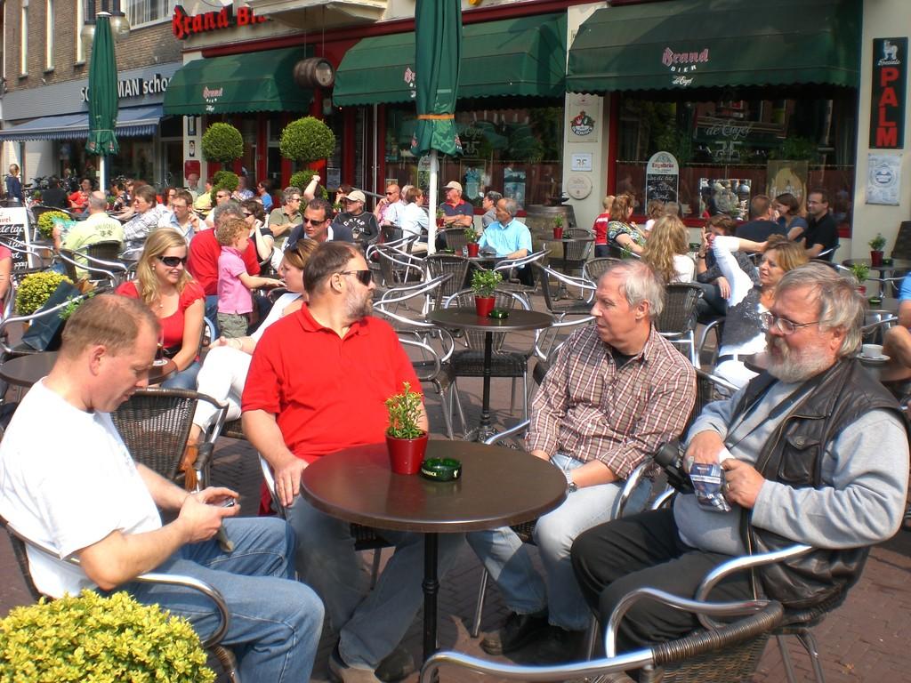... Kaffeetrinken in Odenzahl, Holland
