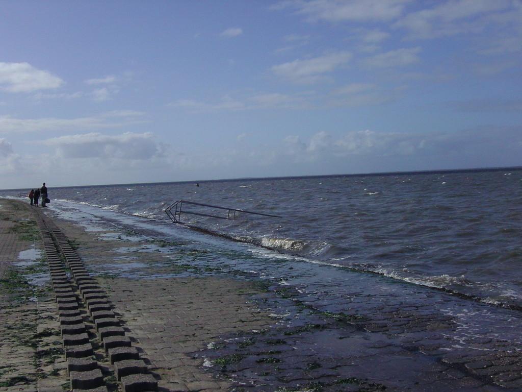 .. am Strand bei Hochwasser