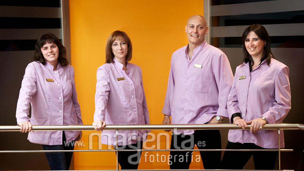 Atención al cliente y dirección farmacia Riera Mallorca,fotografía para empresas mallorca, foto empresas mallorca,