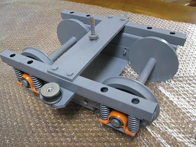 従台車 動力台車のモーターとギアを除いた台車です。