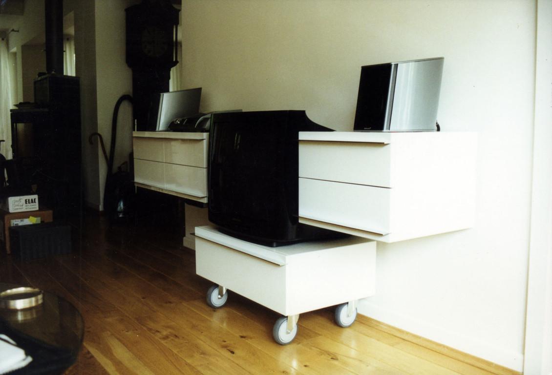 hochglanz weiss mirko danckwerts m belgestaltung. Black Bedroom Furniture Sets. Home Design Ideas