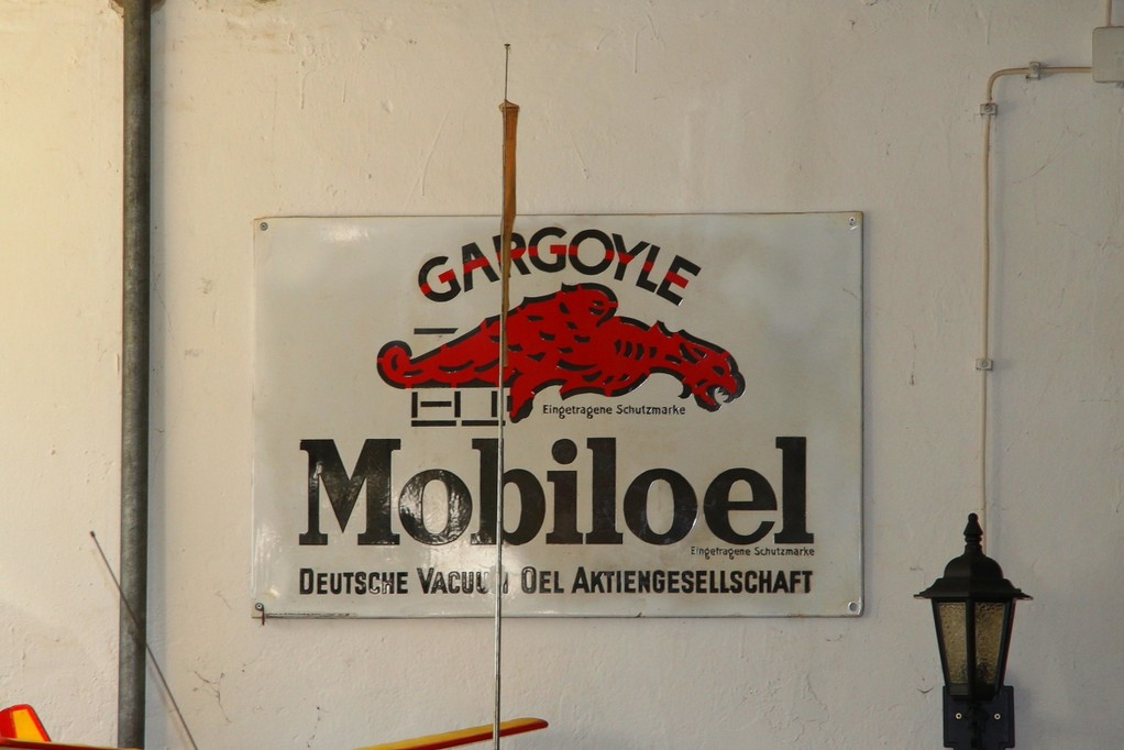 Schild im Mopedmuseum