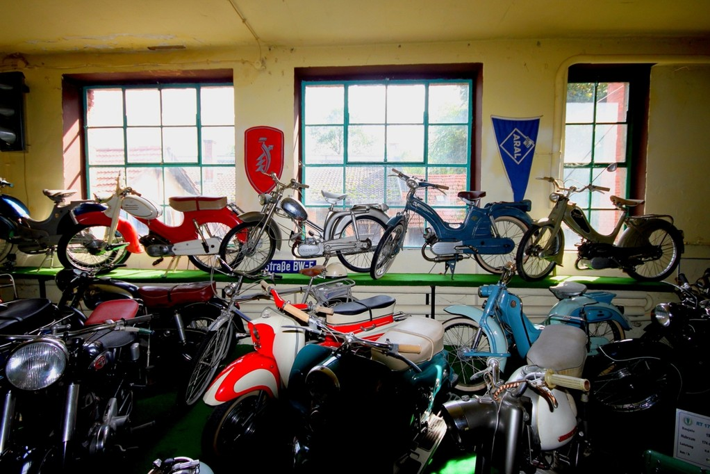 Mopeds im Museum