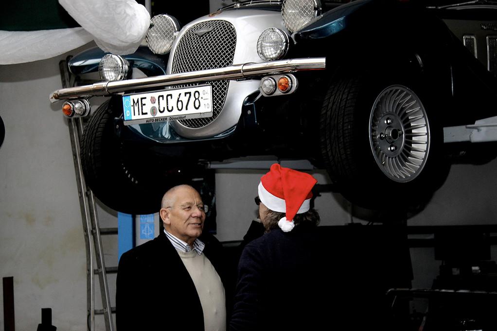 Günter glaubt an den Nikolaus: sein übern Kopf hängernder Panther soll in Kürze fertig werden???