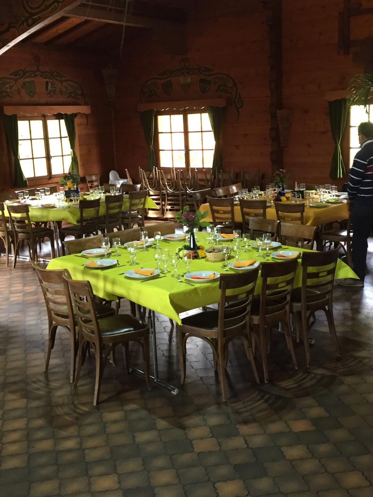 Les tables décorées par la trésorière et son équipe