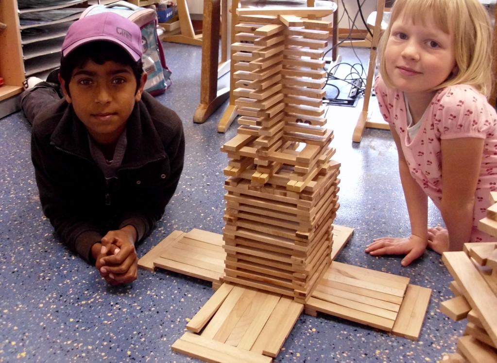 Jetzt können wir noch mit Konstruktionsmaterial bauen!
