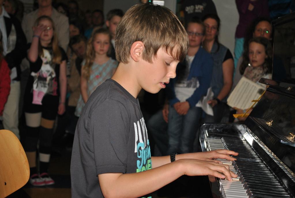 Thorben spielt schon Mozart