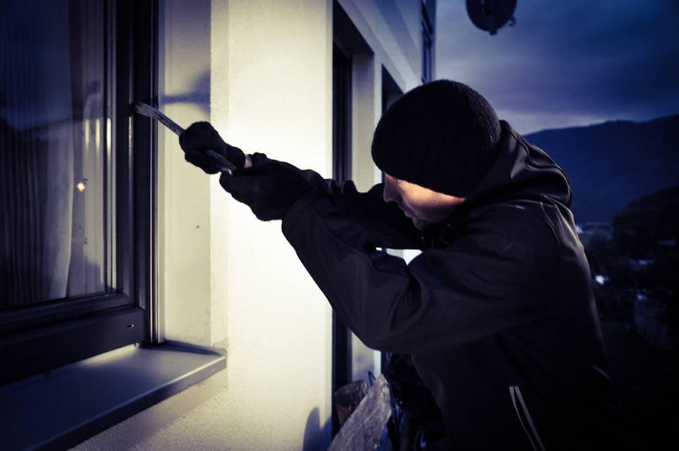 Maßnahmen zur Bekämpfung von Dämmerungseinbrüchen in Wohnungen und Wohnhäuser (DWE)