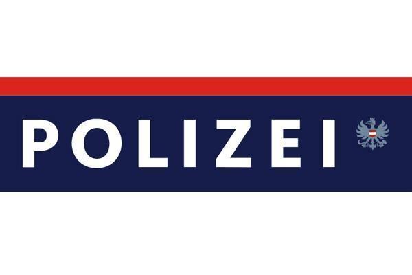 Polizistentrick: Ältere Dame berichtet, wie sie betrogen wurde
