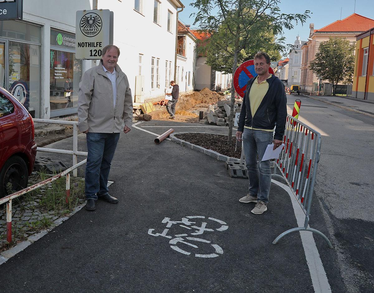 Erste Etappe Radwegausbau vom Kreisverkehr Richtung Mödring