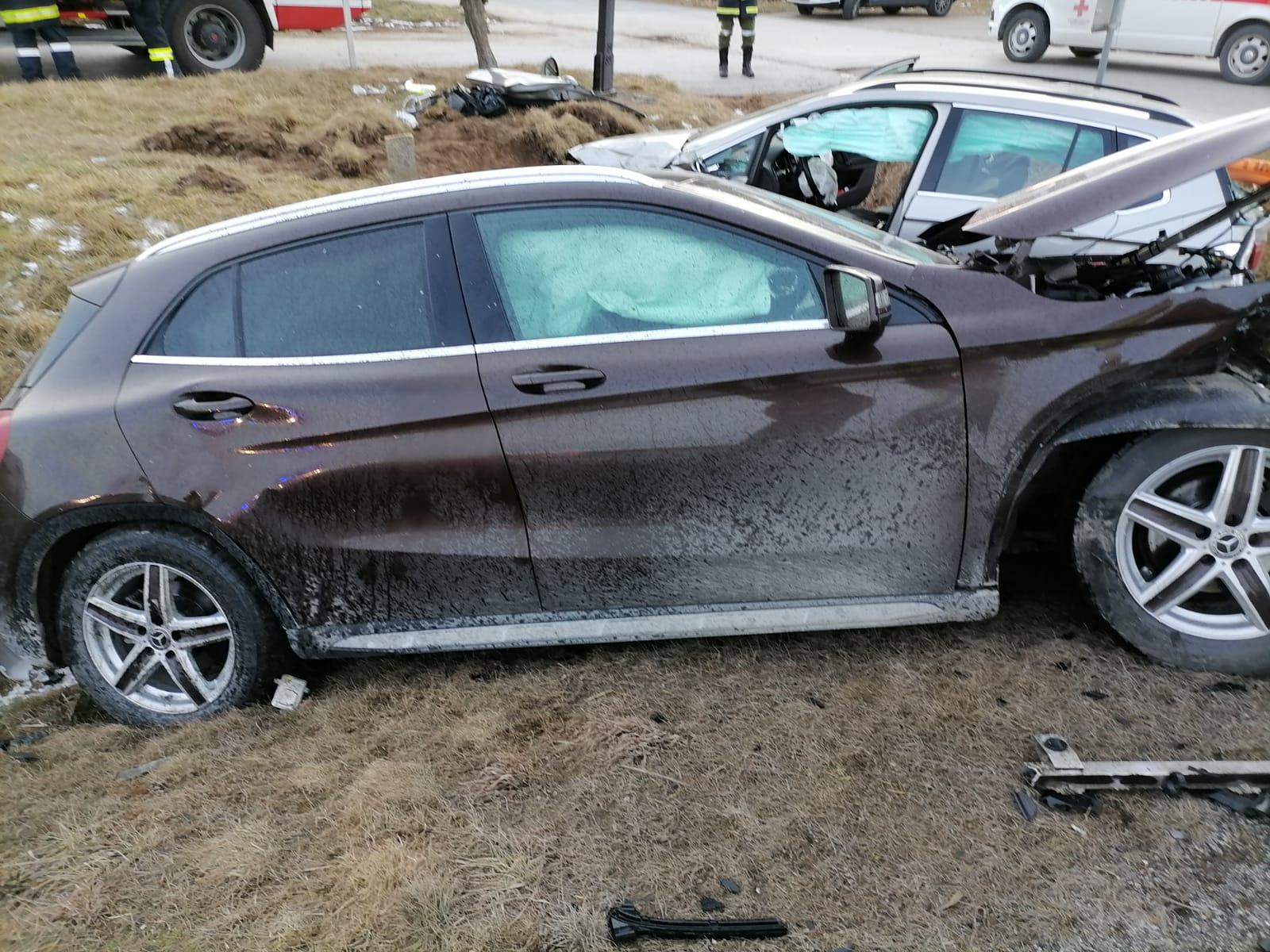 """Ganz viel Blechschaden bei Unfall auf """"Frauenhofener Kreuzung"""""""