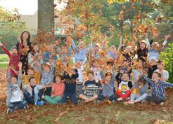 La Photo à été faite dans bois à coté de l'école on y à été a pied.
